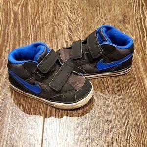Toddler Nike Sneakers 👟👟 Velcro